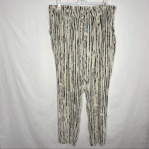 Gianni Bini black and cream striped flowy pants M